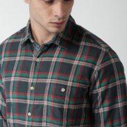 Jabong : Harvard Navy Blue & Green Regular Fit Checked Casual Shirt at Rs.900
