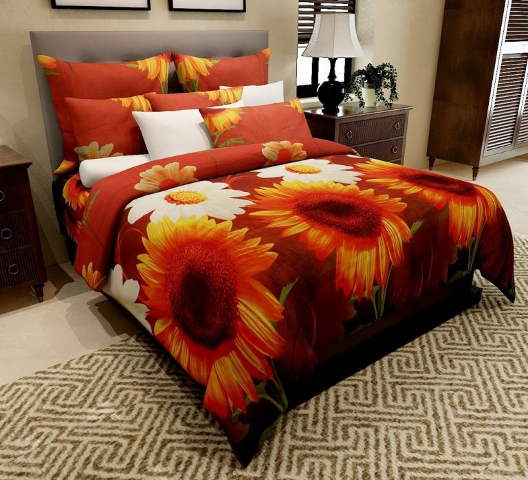 Amazon India : Home Candy Double Bedsheet with 2 Pillow Covers - Floral, Multicolor at Rs.369