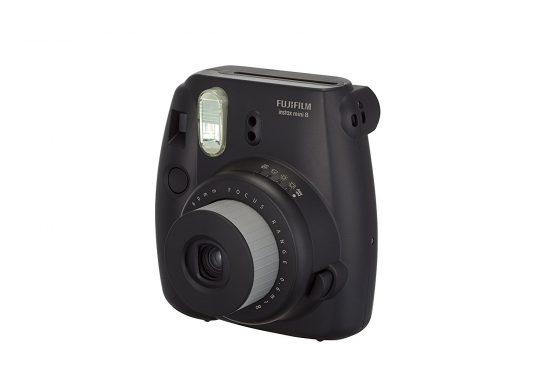 Amazon India : Fujifilm Instax Mini 8 Instant Film Camera (Black) at Rs.3699