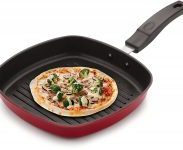 Amazon India : Tosaa Square Grill Pan, 225cm, Black/Red at Rs.476