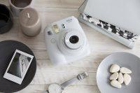 Amazon India : Fujifilm Instax Mini 9 Instant  Camera (Smokey White) at Rs.4132