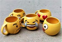 Amazon India : Weird Wolf Complete Emoji Series Coffee Mug Collection- Set of 5 at Rs.2049