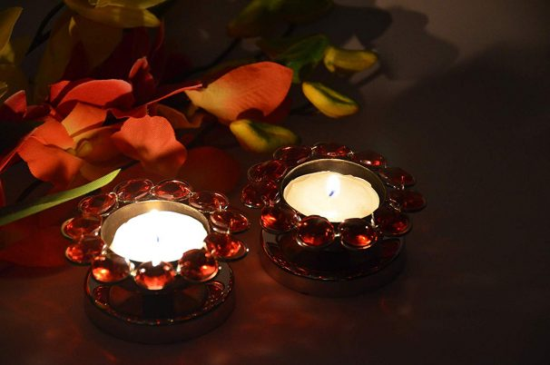 Amazon India : Angelic Copper Steel T Lite Crystal Lamps (8 cm x 8 cm x 5 cm, Red, Set of 2)