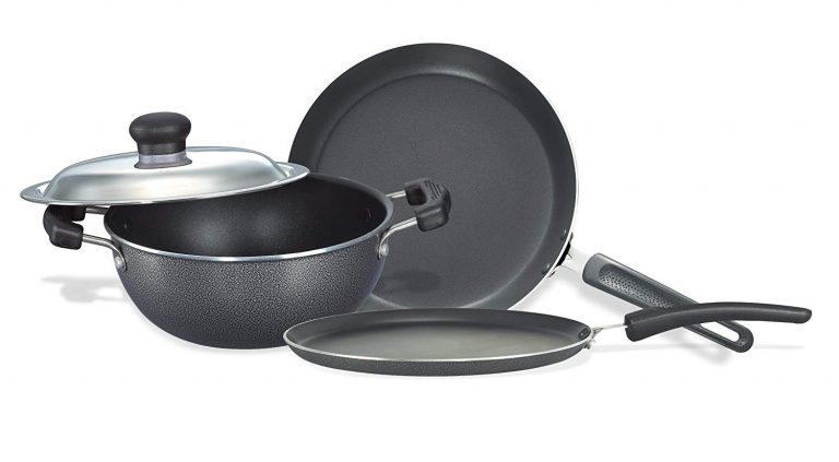 Amazon India : Prestige Omega Select Plus Non-Stick BYK Set, 3-Pieces, Gas-stove compatible only