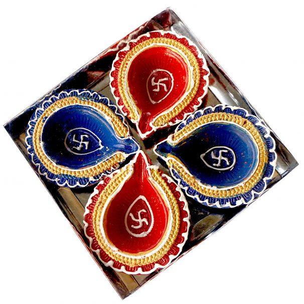 Amazon India : eCraftIndia Terracotta Diya Set (10 cm x 10 cm x 3 cm, Pack of 4)