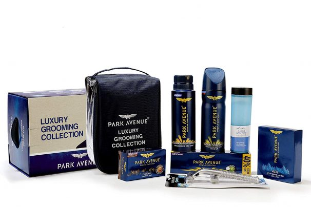 Amazon India :Park Avenue Luxury Grooming Collection Kit (Combo Of 8)
